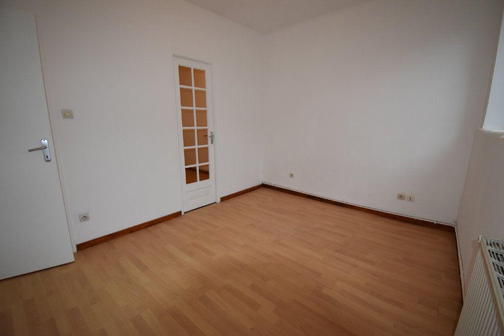Appartement à louer 3 59.76m2 à Courcelles-sur-Nied vignette-5