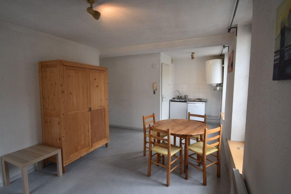 Appartement à louer 1 22m2 à Metz vignette-1