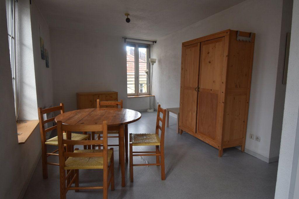 Appartement à louer 1 22m2 à Metz vignette-3