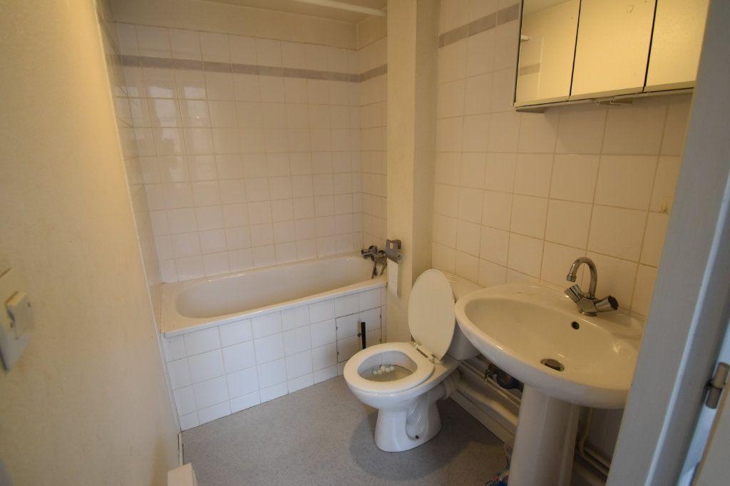 Appartement à louer 1 22m2 à Metz vignette-4