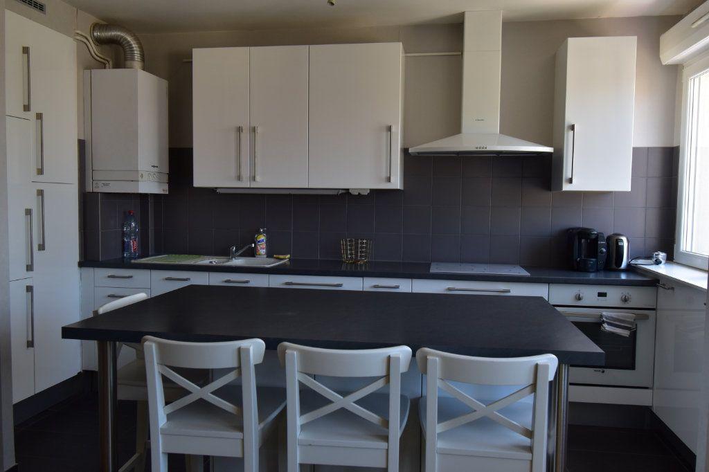 Appartement à louer 2 49.7m2 à Metz vignette-5