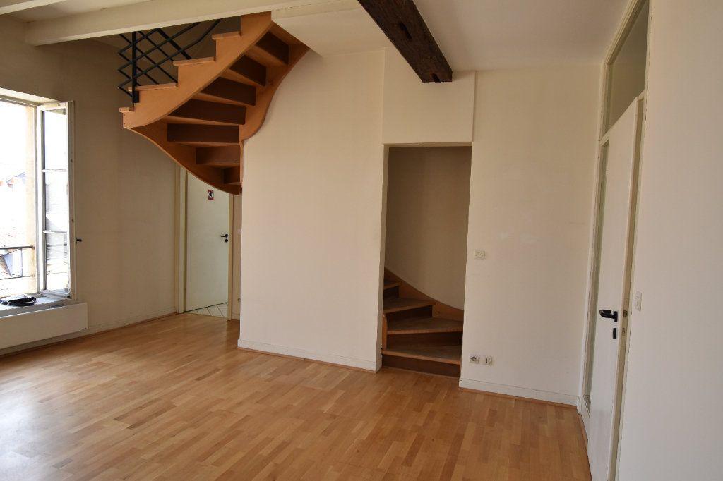 Appartement à louer 5 122.5m2 à Metz vignette-4