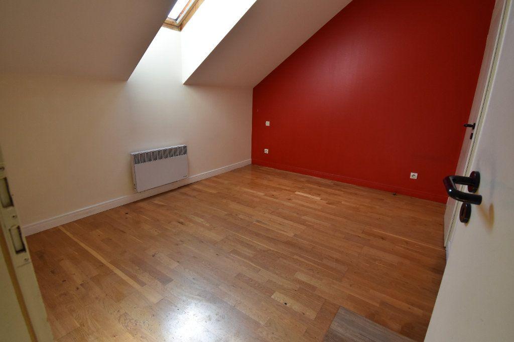 Appartement à louer 5 122.5m2 à Metz vignette-9