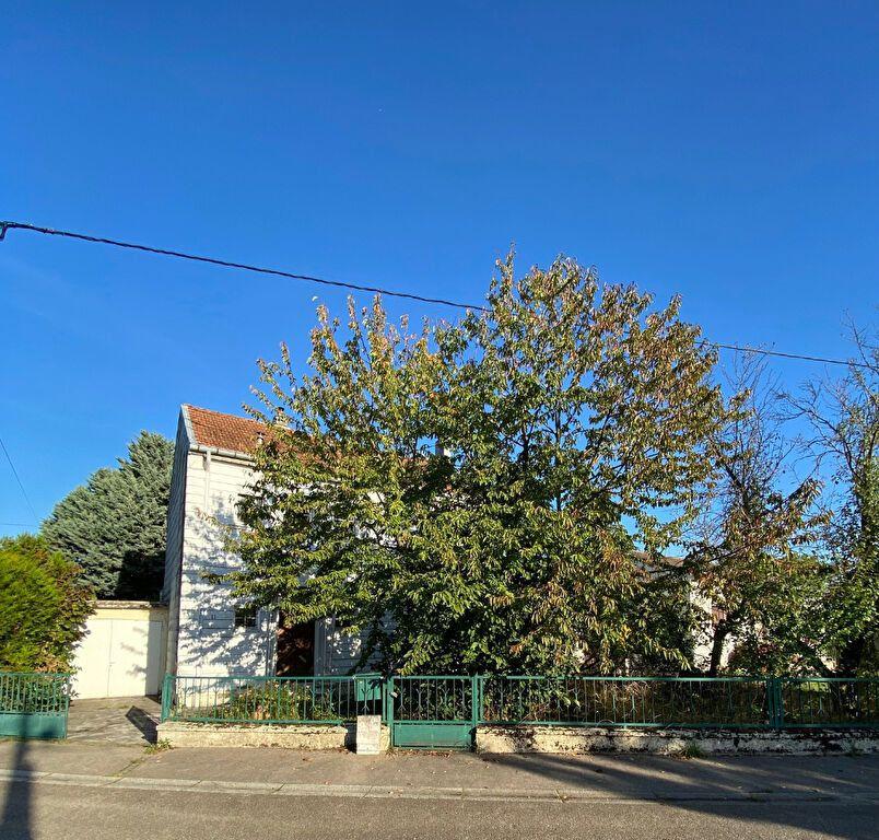 Maison à vendre 6 132m2 à Montigny-lès-Metz vignette-1