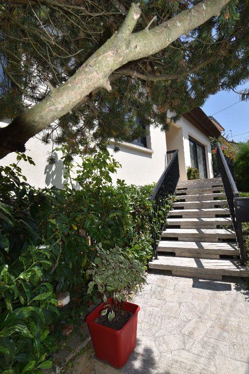 Maison à vendre 10 225m2 à Metz vignette-11