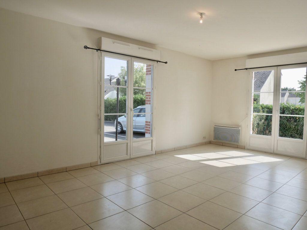 Appartement à vendre 3 71m2 à Saint-Denis-en-Val vignette-1
