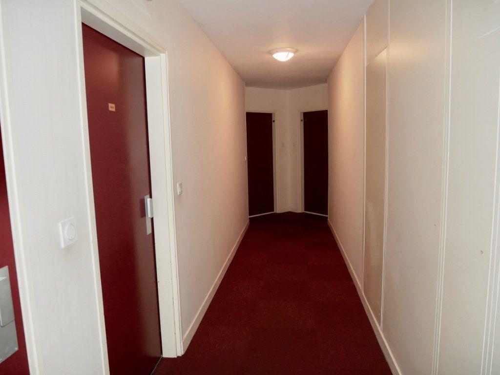 Appartement à vendre 3 71m2 à Saint-Denis-en-Val vignette-12