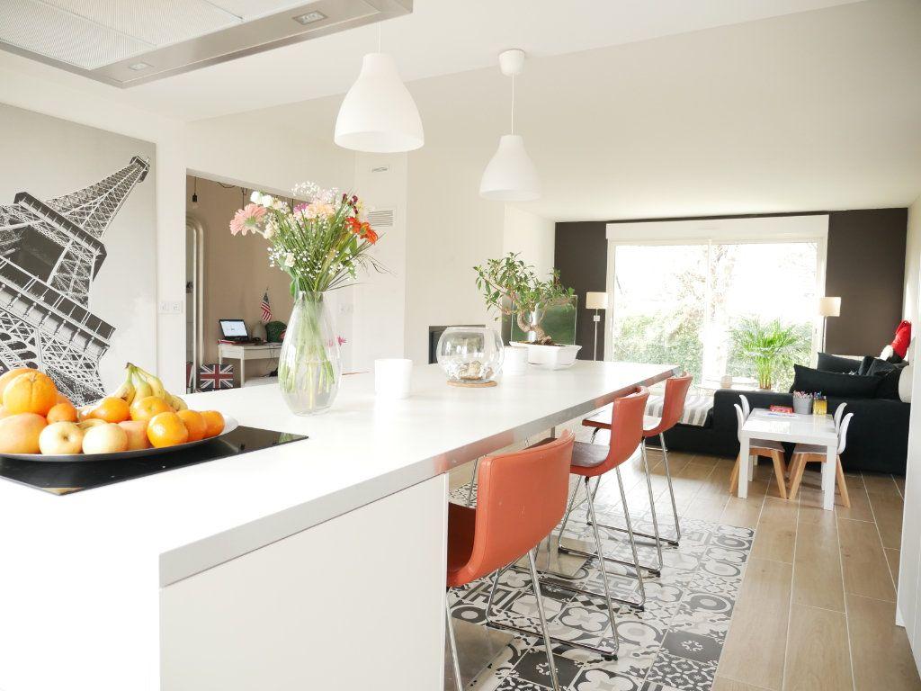 Maison à vendre 6 142m2 à Saint-Denis-en-Val vignette-4