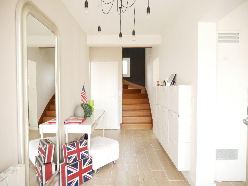 Maison à vendre 6 142m2 à Saint-Denis-en-Val vignette-13