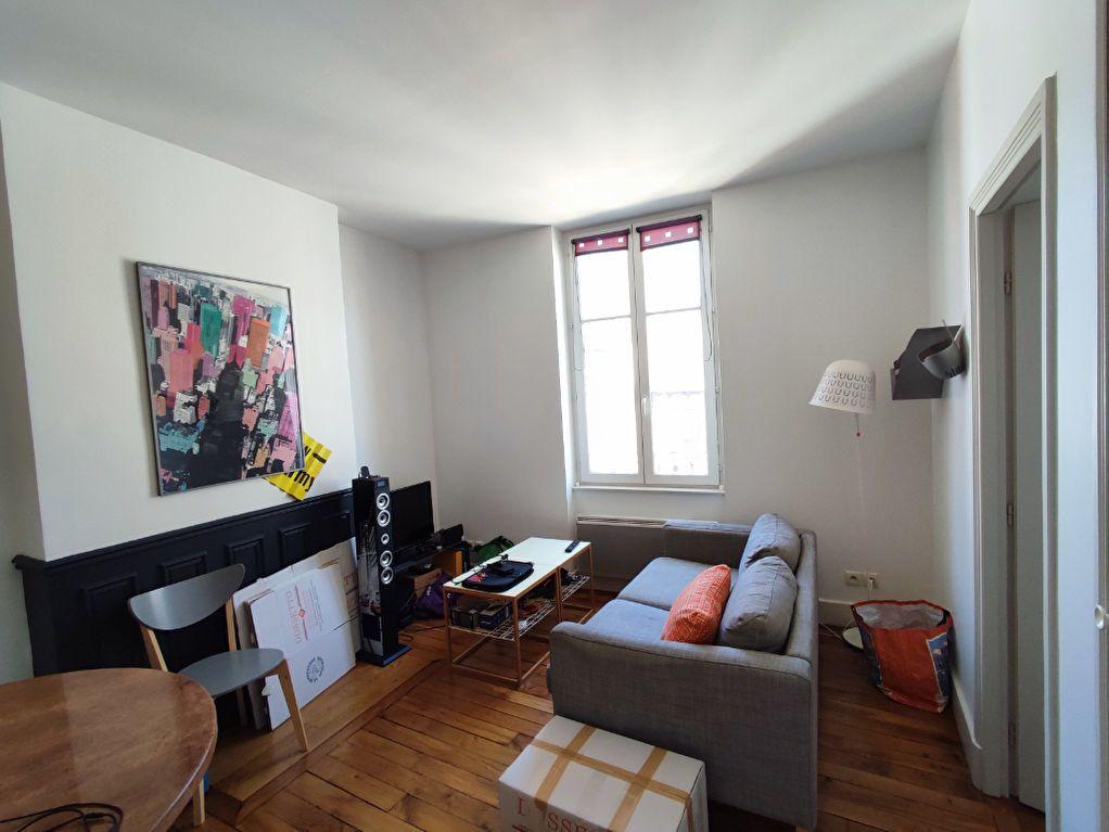 Appartement à louer 2 32m2 à Orléans vignette-1