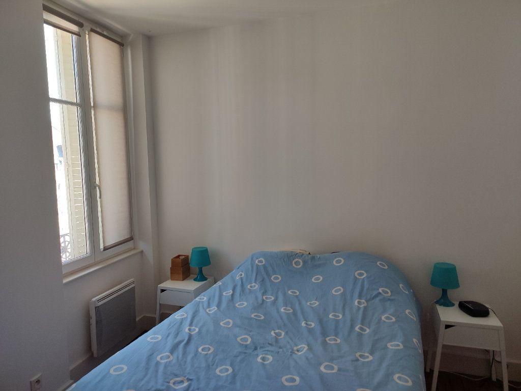 Appartement à louer 2 32m2 à Orléans vignette-6