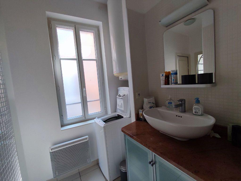 Appartement à louer 2 32m2 à Orléans vignette-8