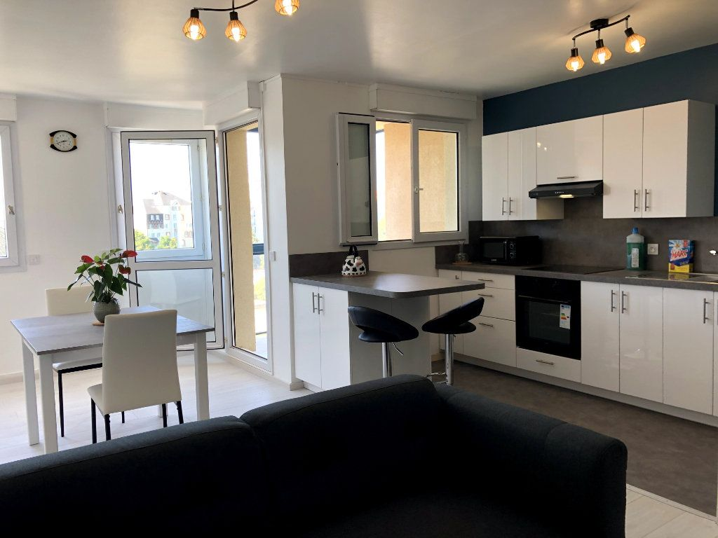 Appartement à louer 2 53m2 à Orléans vignette-2
