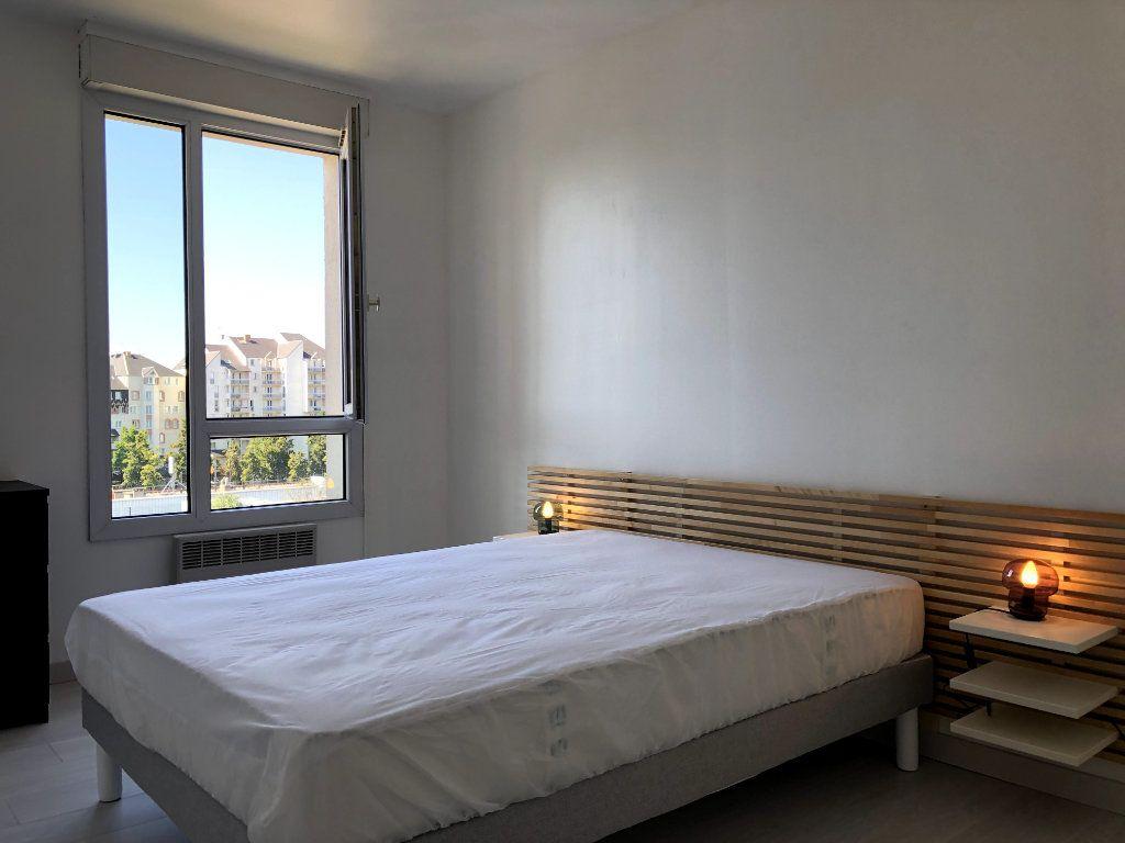 Appartement à louer 2 53m2 à Orléans vignette-6