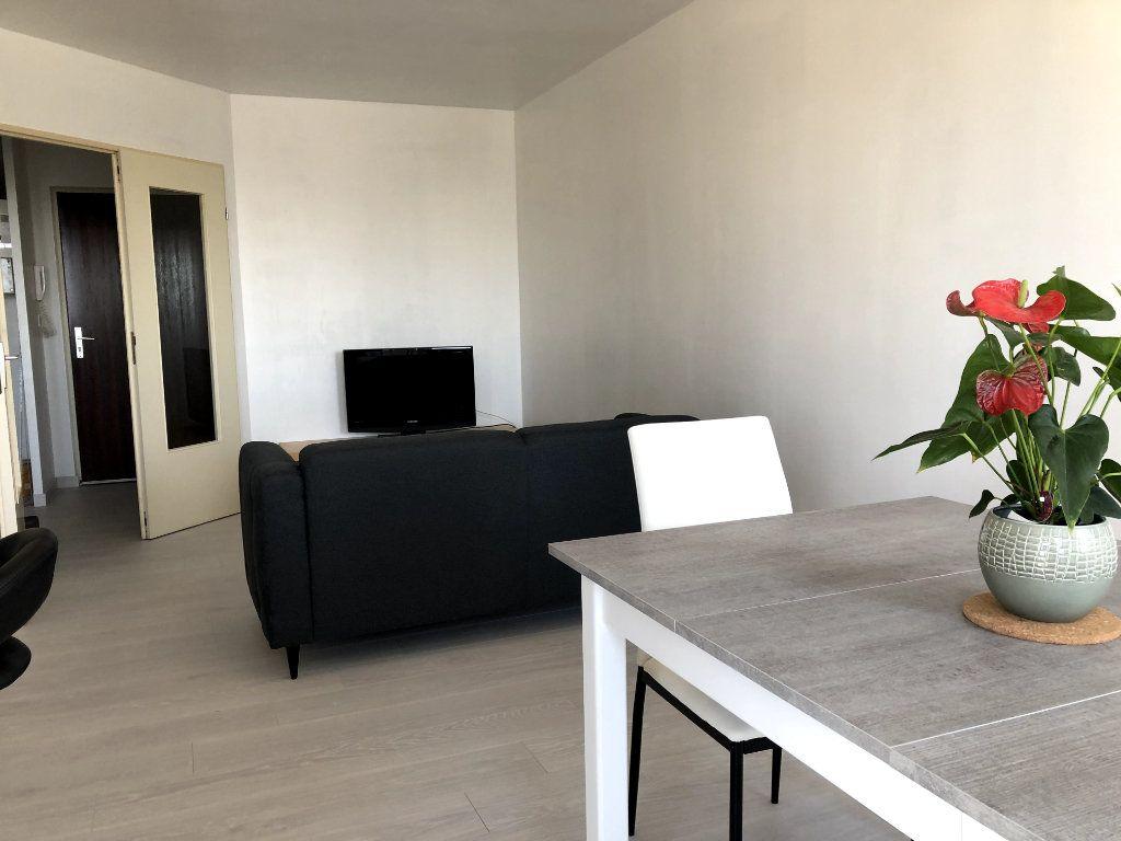 Appartement à louer 2 53m2 à Orléans vignette-8
