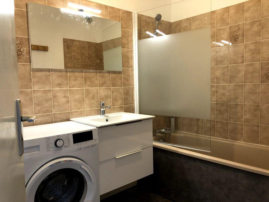 Appartement à louer 2 53m2 à Orléans vignette-12