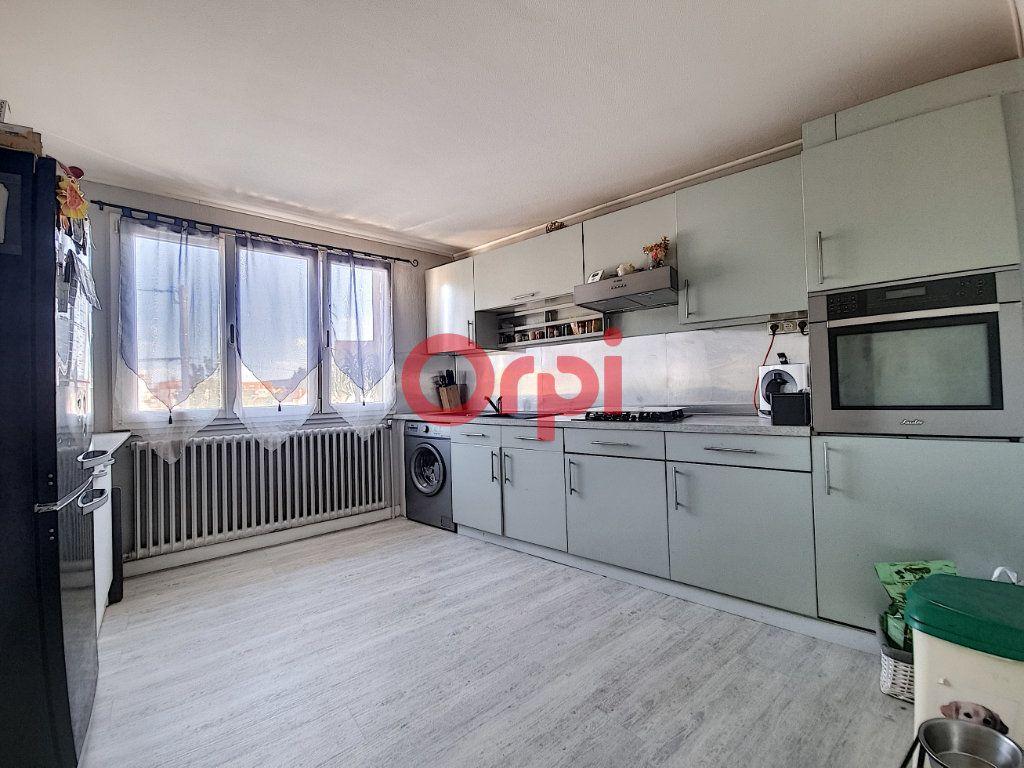 Appartement à vendre 3 71.2m2 à Beauchamp vignette-2