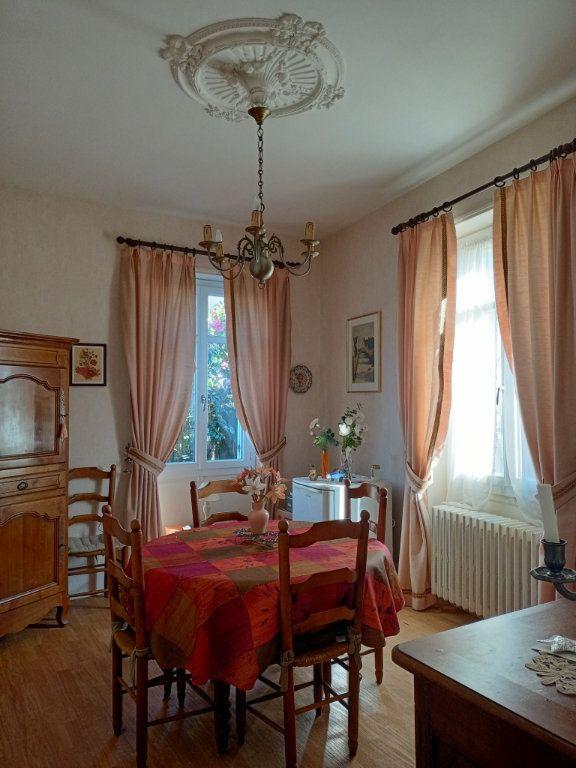 Maison à vendre 8 130m2 à Les Ponts-de-Cé vignette-2