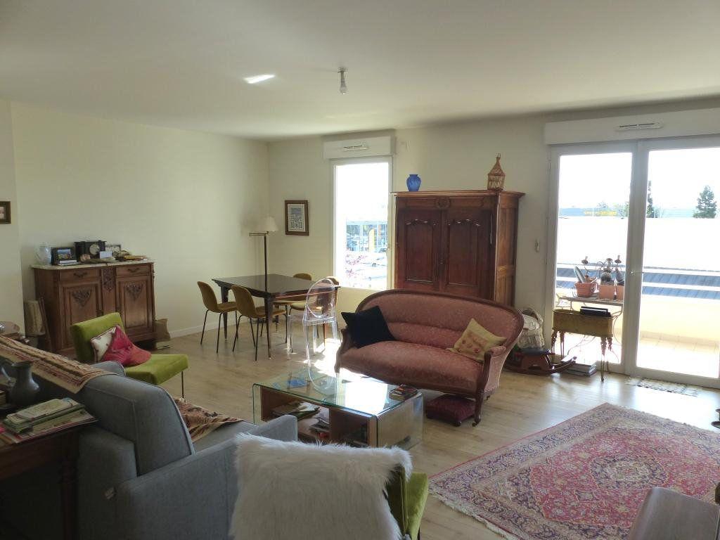 Appartement à vendre 4 110.4m2 à Angers vignette-1