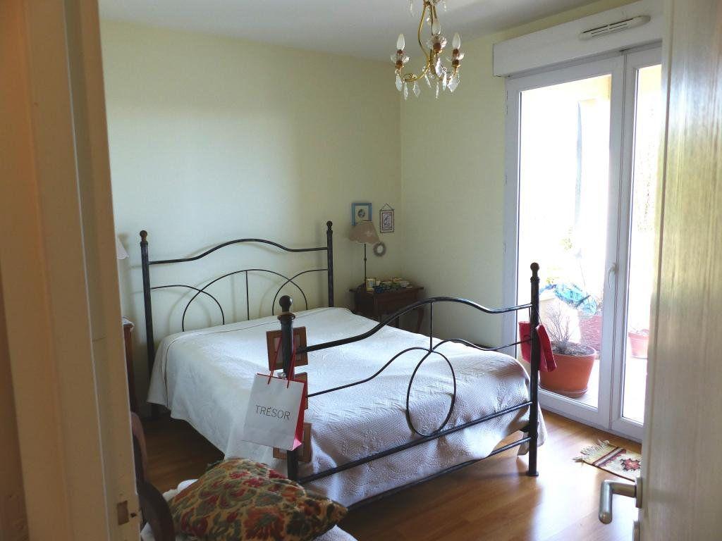 Appartement à vendre 4 110.4m2 à Angers vignette-6