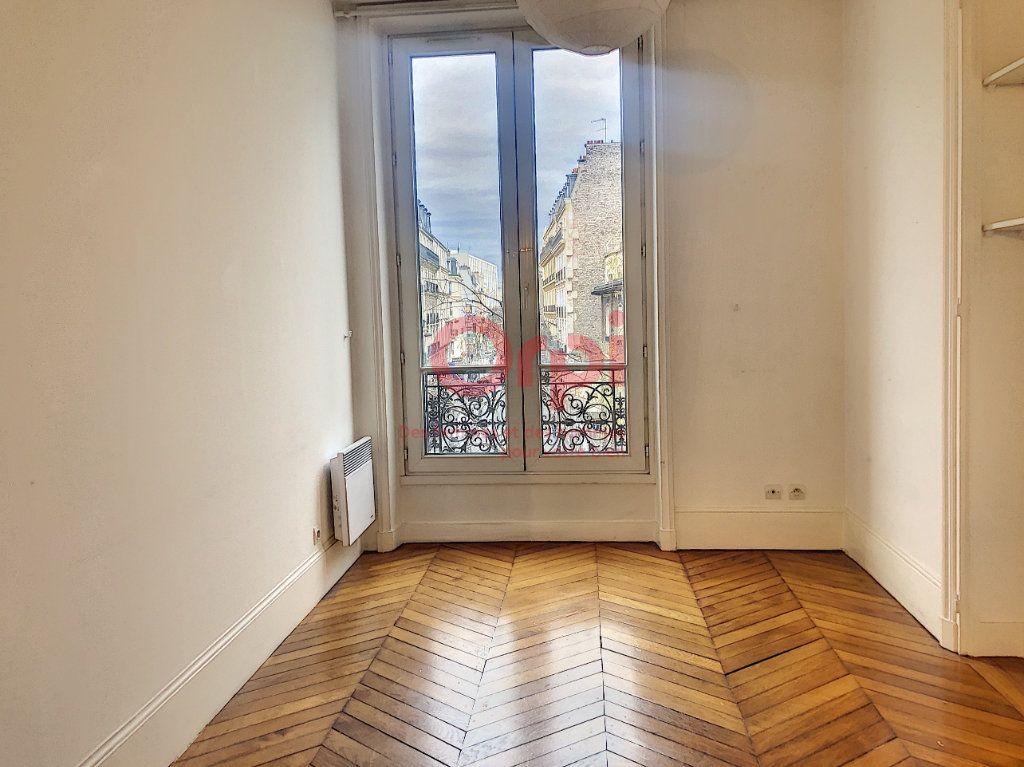 Appartement à louer 2 41m2 à Paris 14 vignette-2