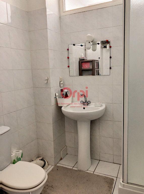 Appartement à louer 2 41m2 à Paris 14 vignette-5