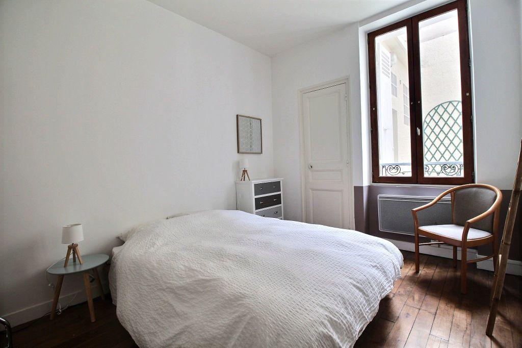 Appartement à louer 2 31m2 à Paris 14 vignette-4