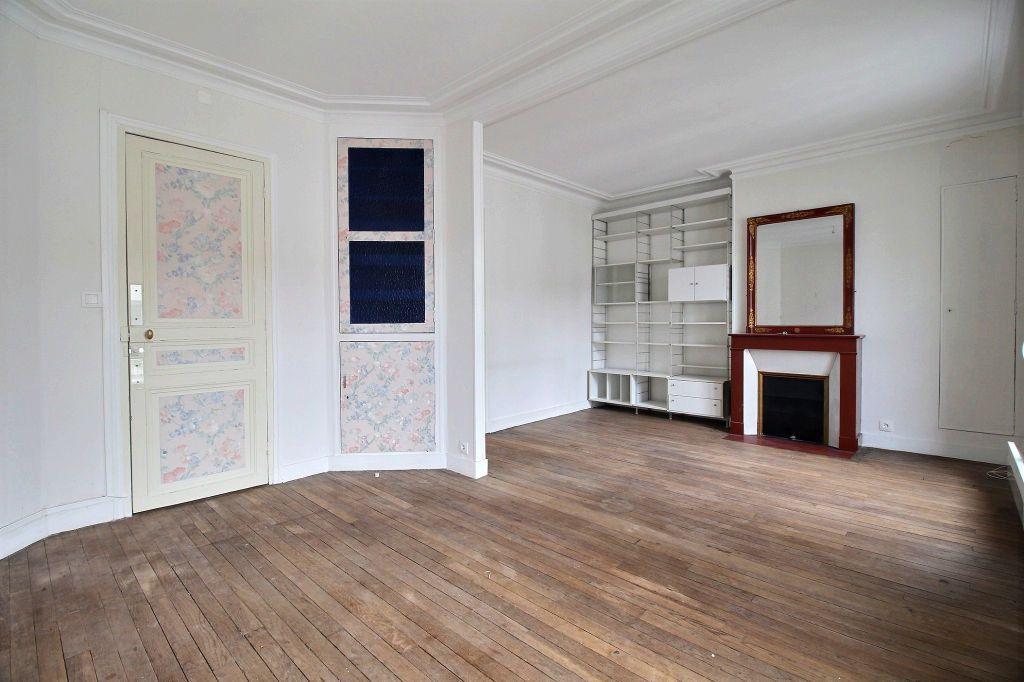 Appartement à louer 2 39m2 à Paris 14 vignette-2
