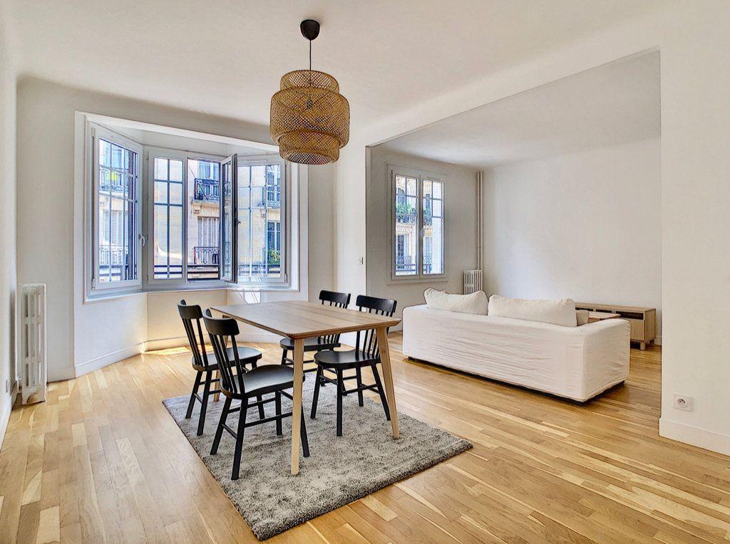 Appartement à louer 3 80m2 à Paris 15 vignette-1