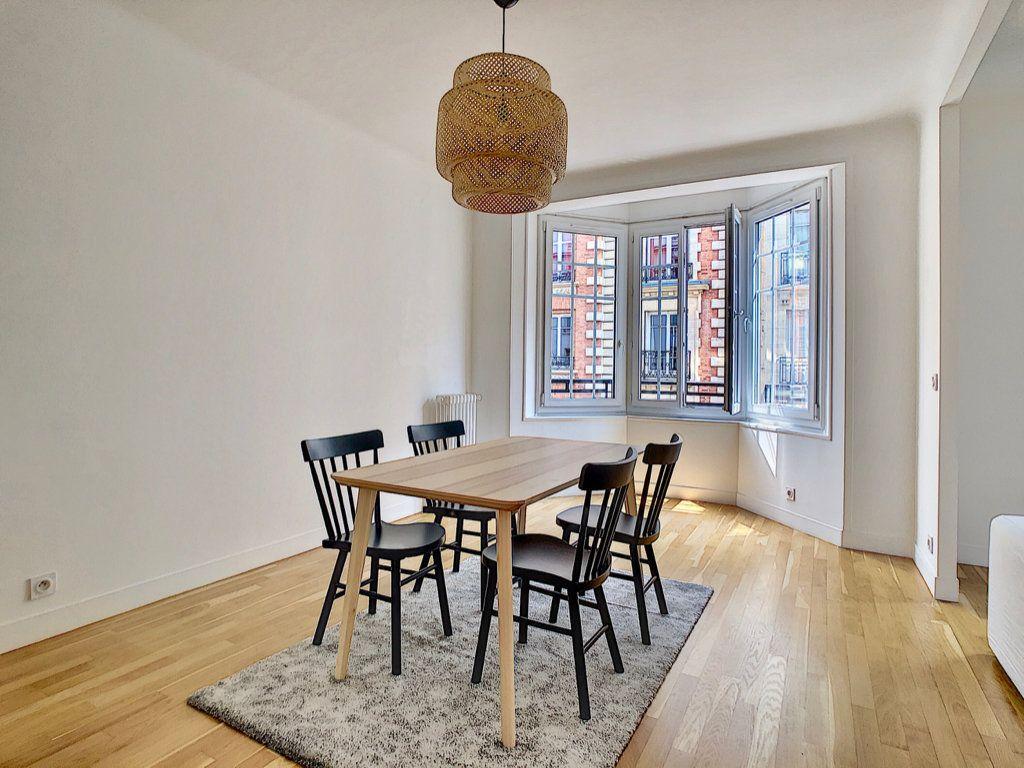 Appartement à louer 3 80m2 à Paris 15 vignette-3