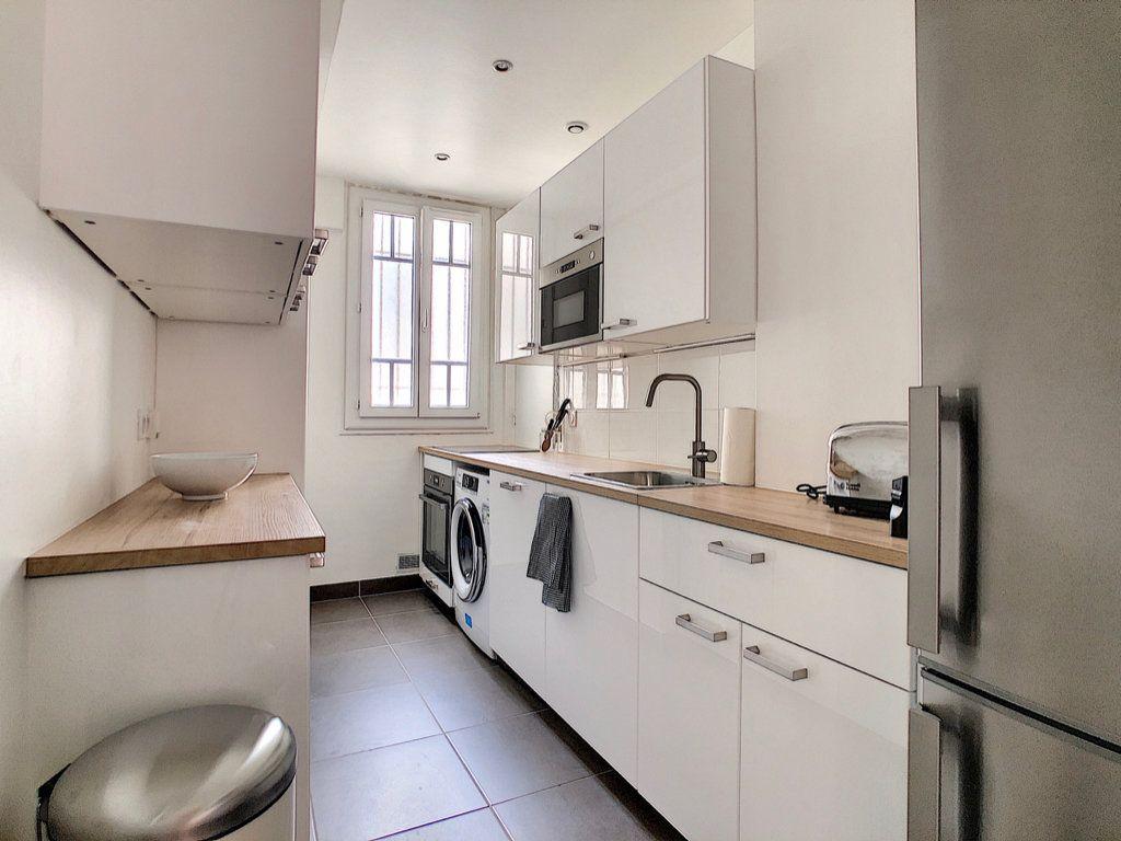 Appartement à louer 3 80m2 à Paris 15 vignette-5