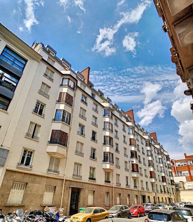 Appartement à louer 3 80m2 à Paris 15 vignette-12