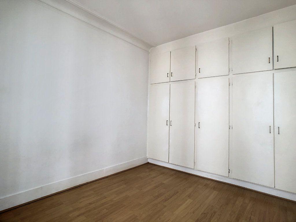Appartement à louer 2 31m2 à Paris 14 vignette-5
