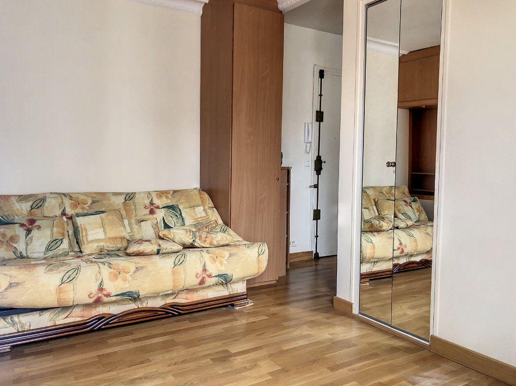 Appartement à louer 1 23m2 à Paris 14 vignette-2