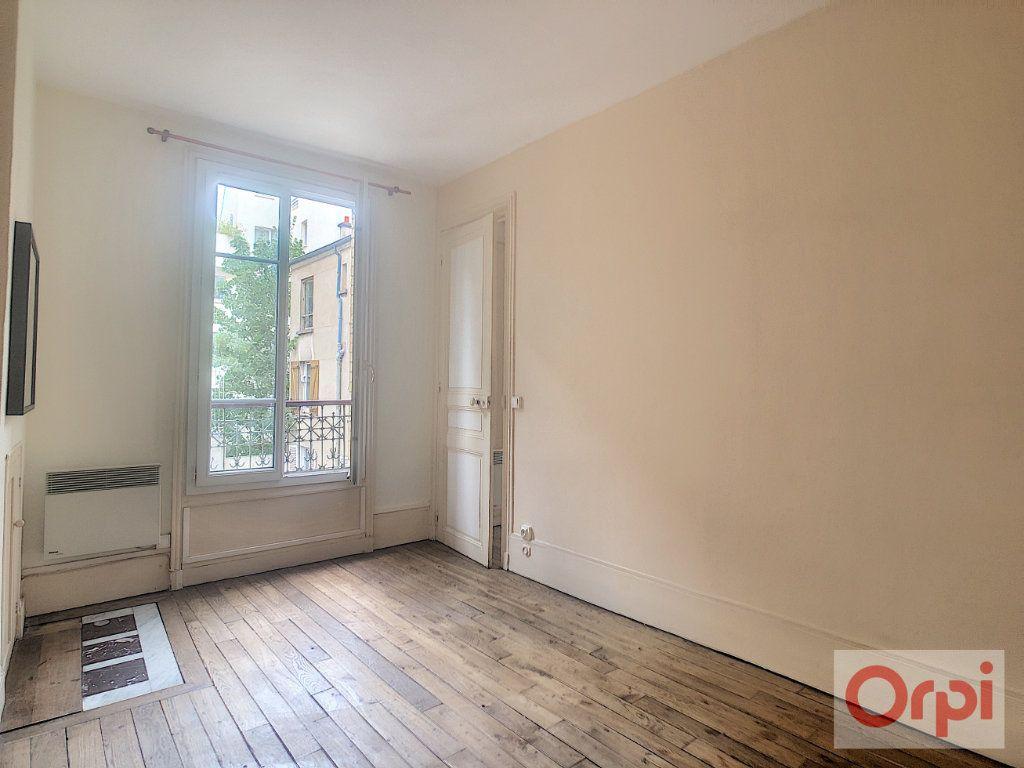 Appartement à louer 2 32m2 à Paris 14 vignette-3