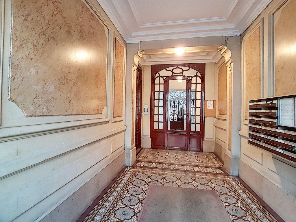 Appartement à vendre 3 51m2 à Paris 14 vignette-7