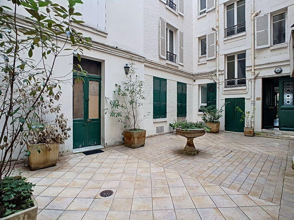 Appartement à vendre 3 51m2 à Paris 14 vignette-9
