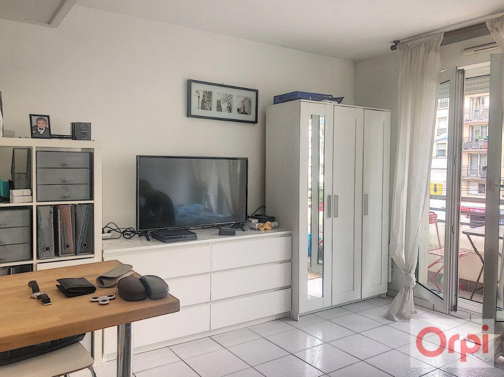 Appartement à louer 1 26.51m2 à Châtillon vignette-1