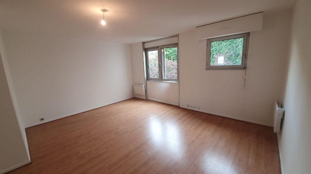 Appartement à louer 2 48.52m2 à Paris 14 vignette-1