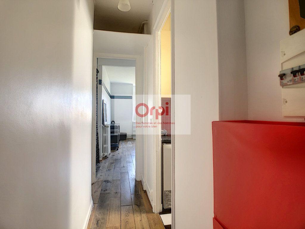 Appartement à louer 2 34m2 à Paris 14 vignette-5