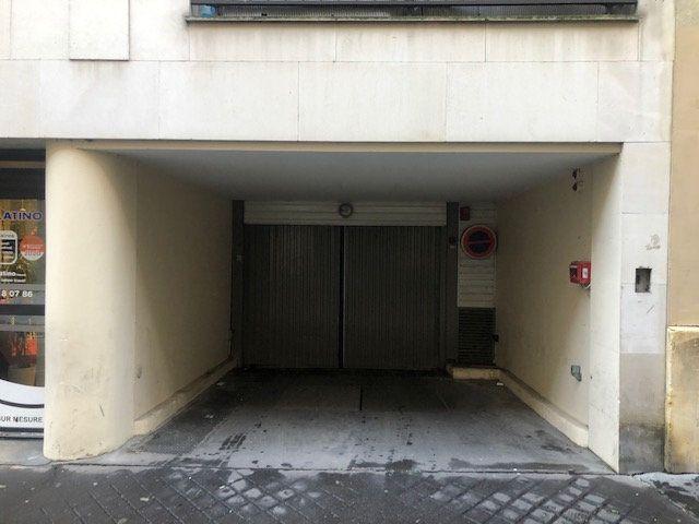 Stationnement à louer 0 0m2 à Paris 14 vignette-1