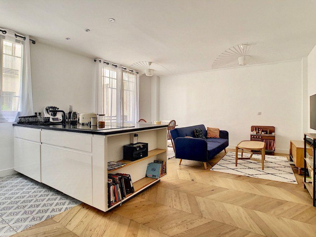 Appartement à vendre 3 70m2 à Paris 15 vignette-2