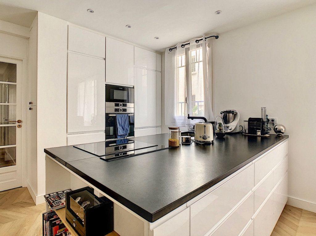 Appartement à vendre 3 70m2 à Paris 15 vignette-3