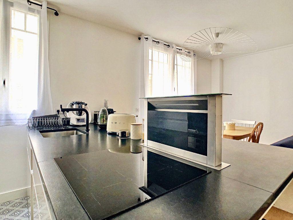 Appartement à vendre 3 70m2 à Paris 15 vignette-4