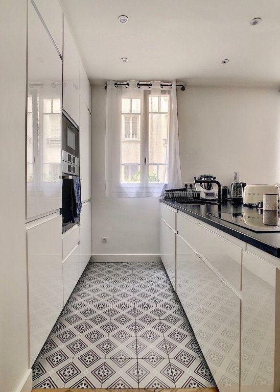 Appartement à vendre 3 70m2 à Paris 15 vignette-5