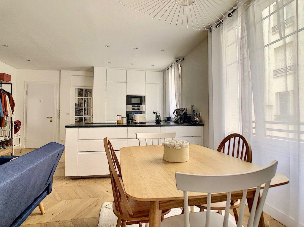 Appartement à vendre 3 70m2 à Paris 15 vignette-6