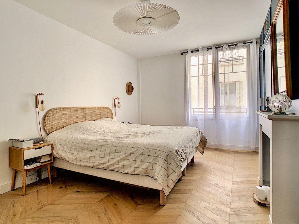Appartement à vendre 3 70m2 à Paris 15 vignette-9