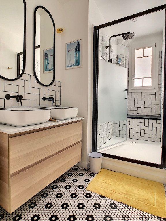 Appartement à vendre 3 70m2 à Paris 15 vignette-12