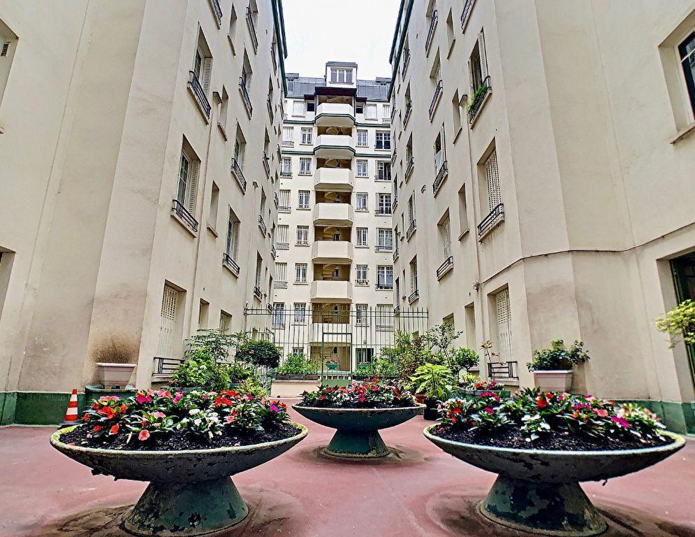 Appartement à vendre 3 70m2 à Paris 15 vignette-15
