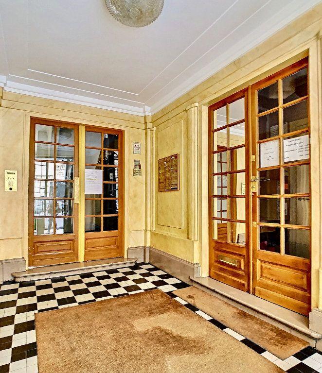 Appartement à vendre 3 70m2 à Paris 15 vignette-17